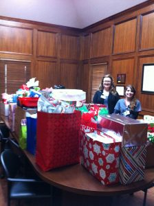 Harbor Healthcare donates to Family Services of Southeast Texas